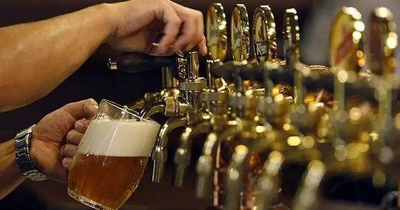 如何自酿啤酒?老司机带你酿啤酒的七个步骤